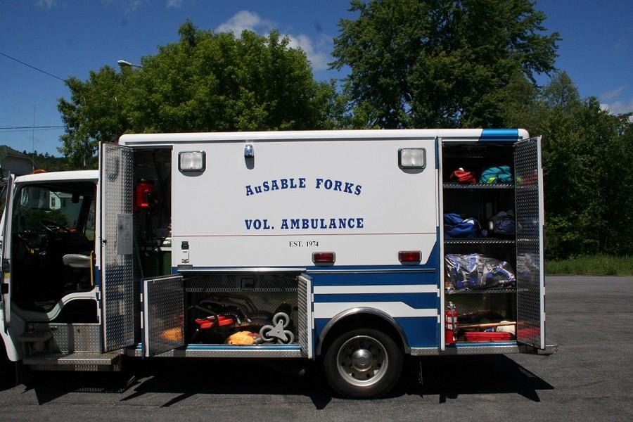 The Rambulance: FL50 Freightliner Ambulance / Camper / Tow